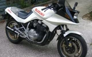 Suzuki GSX 750 s3