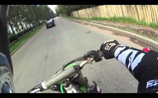 Как ездить на кроссовом Мотоцикле по городу