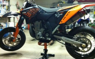 Мотоцикл 450SMR (2011): технические характеристики, фото, видео