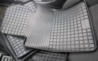 Как выбрать коврик для автомобиля: полезные советы