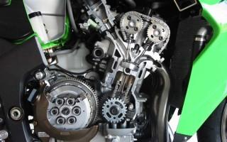 Сколько ходит двигатель мотоцикла Кавасаки Ниндзя 300