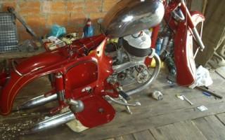 Мотоцикл Ява старушка фото