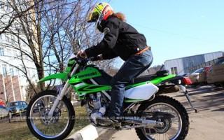 Кроссовый Мотоцикл кавасаки 250 кубов