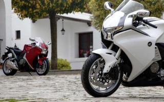 Honda VFR 1200 белый